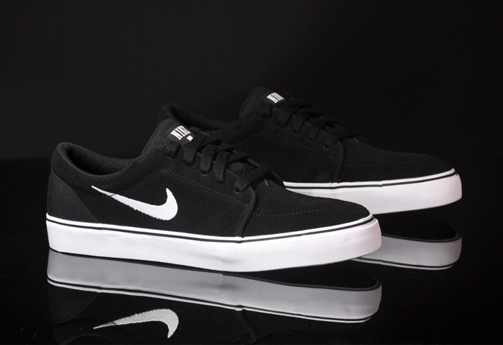 black nike sb shoes