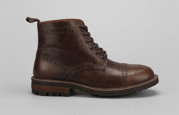 Round Toe Cap Leather Boots