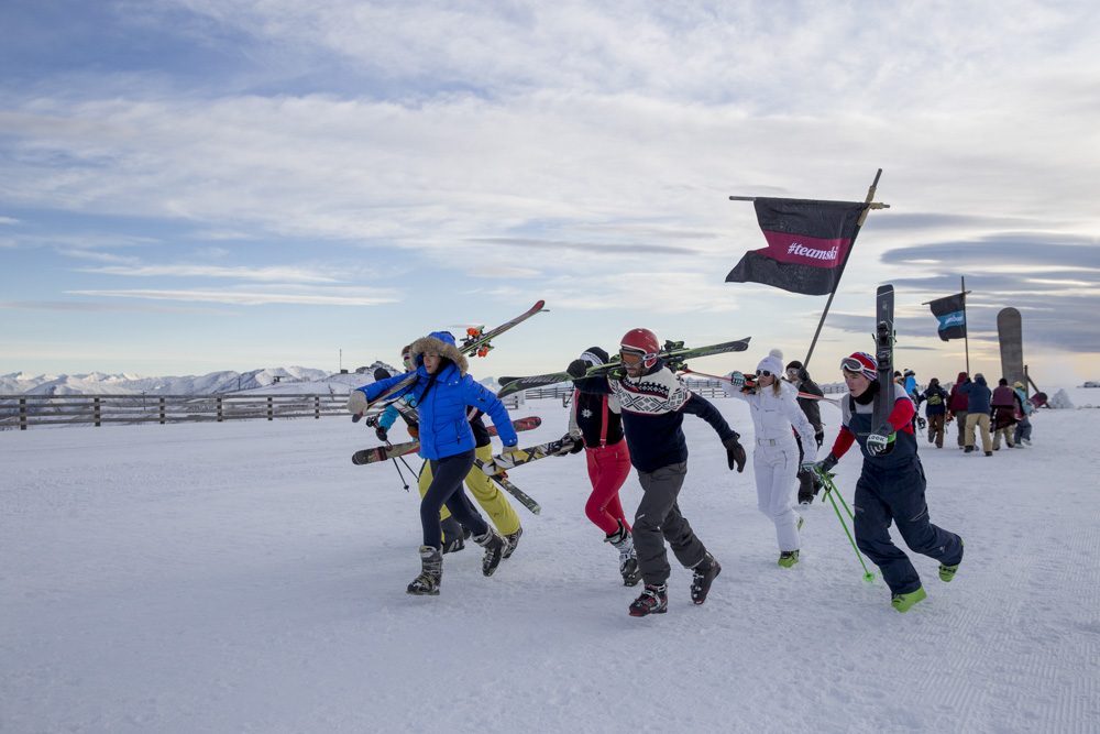 Air NZ Snow Fight TeamSki Runs Skier vs Snowboarder
