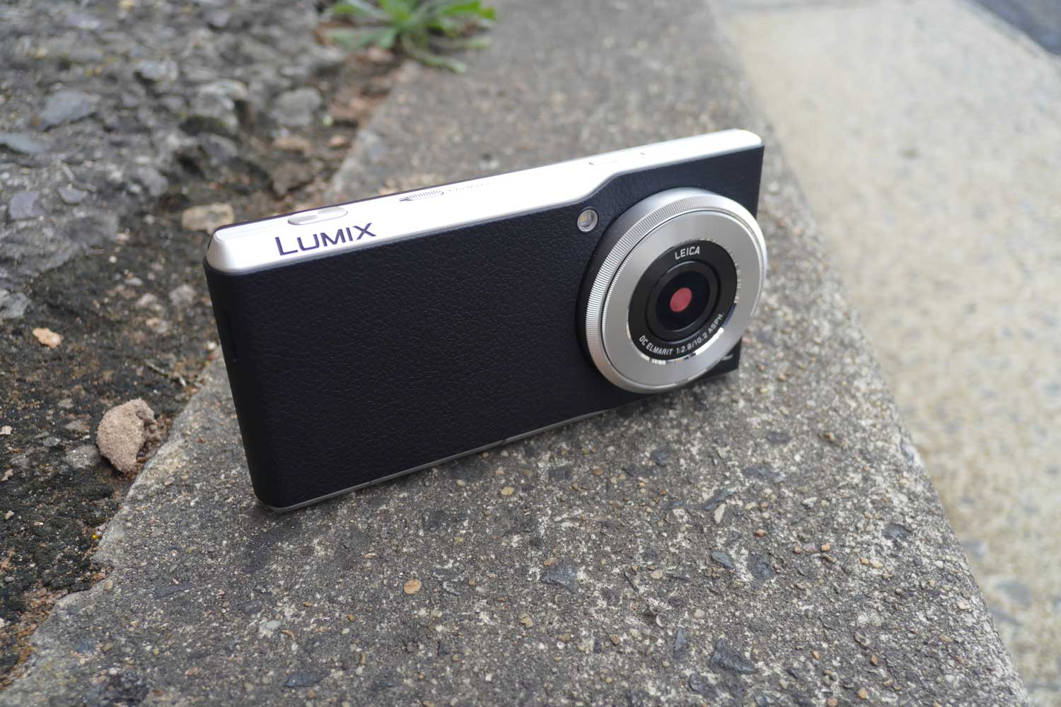 Panasonic Lumix DMC-CM1 Review