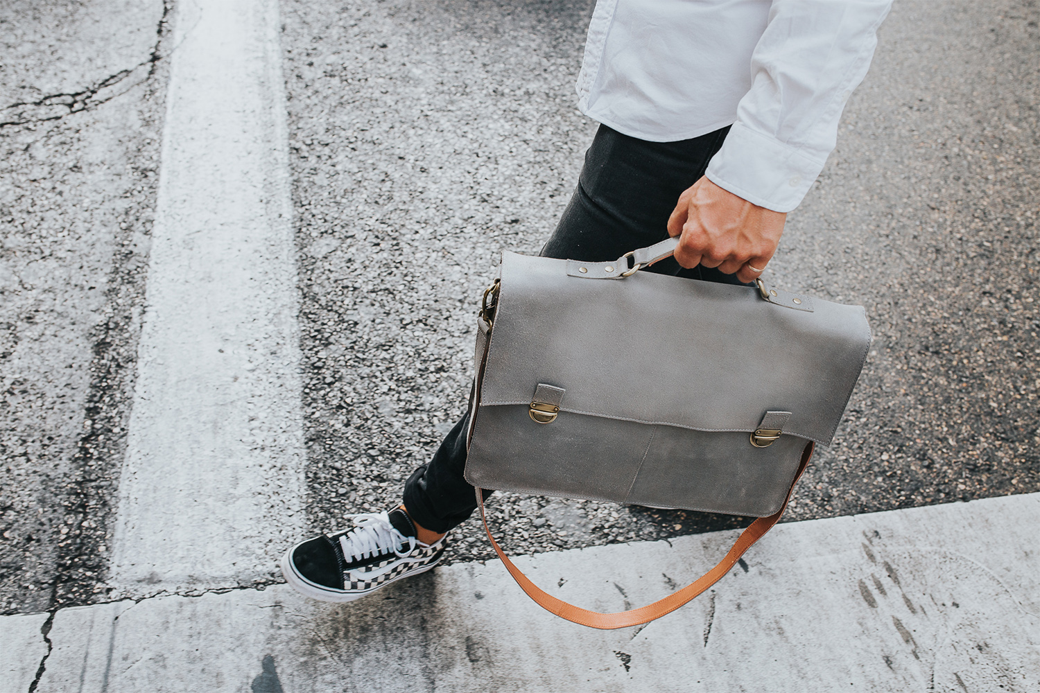 A New Collection Of Minimal Leather Bags From Dutch Brand Laauw