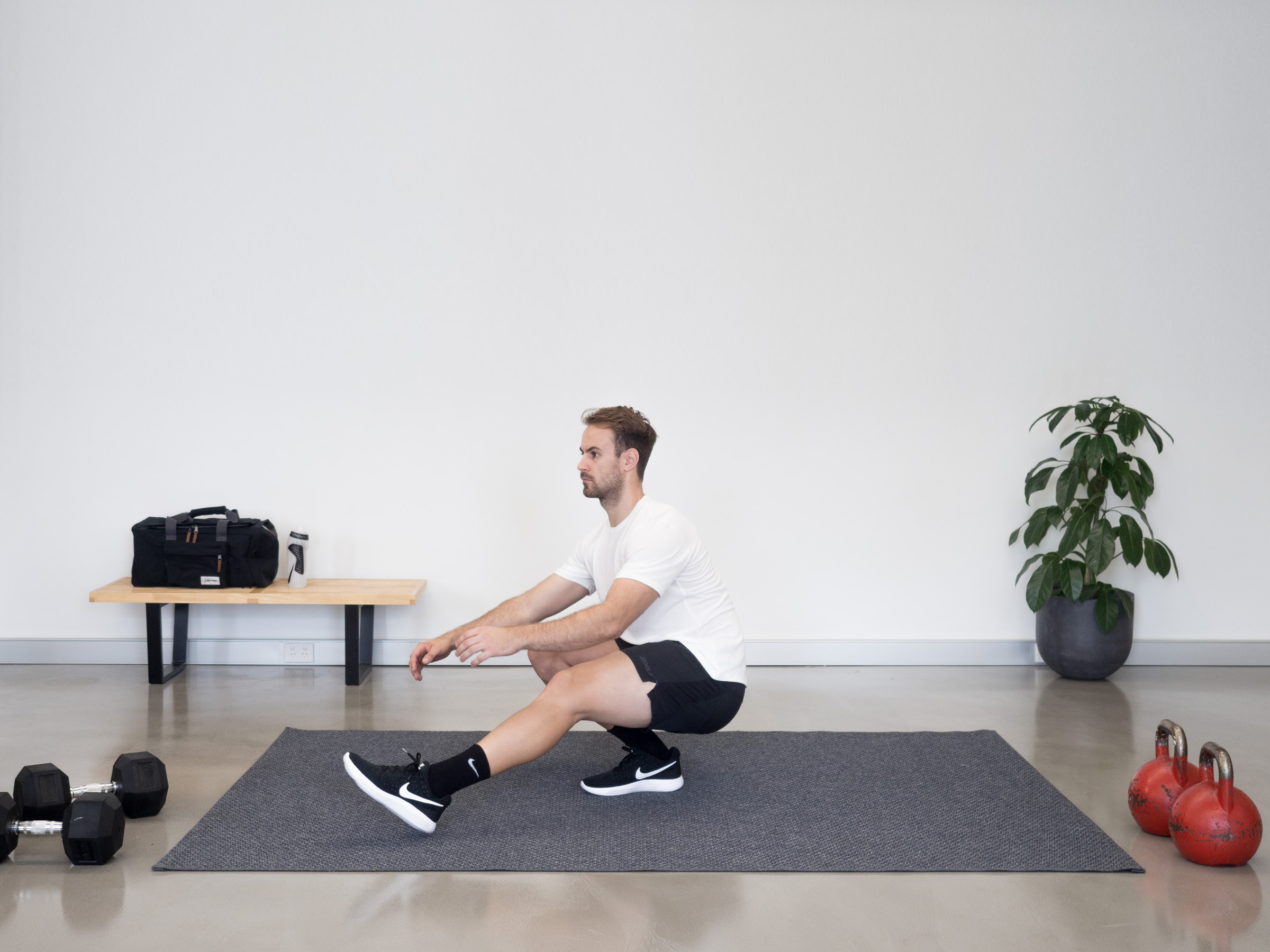 A Simple Fitness Routine When You're Low On Space & Equipment