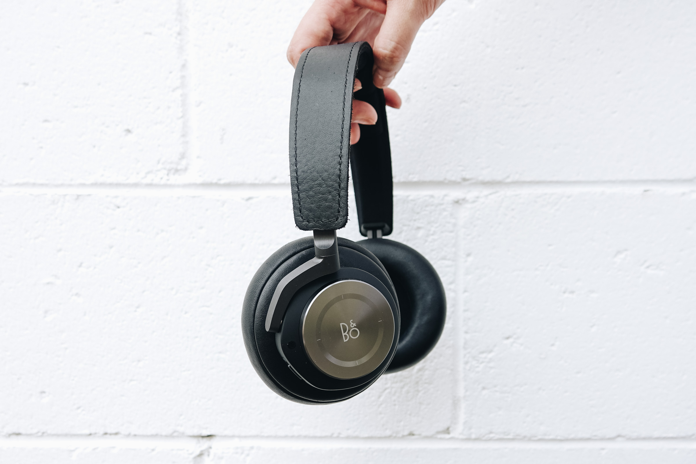 Beoplay H9 Review | Escape The Crowds