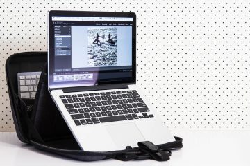 New Minimalist & Ergonomic Laptop Case | MOBI CASE