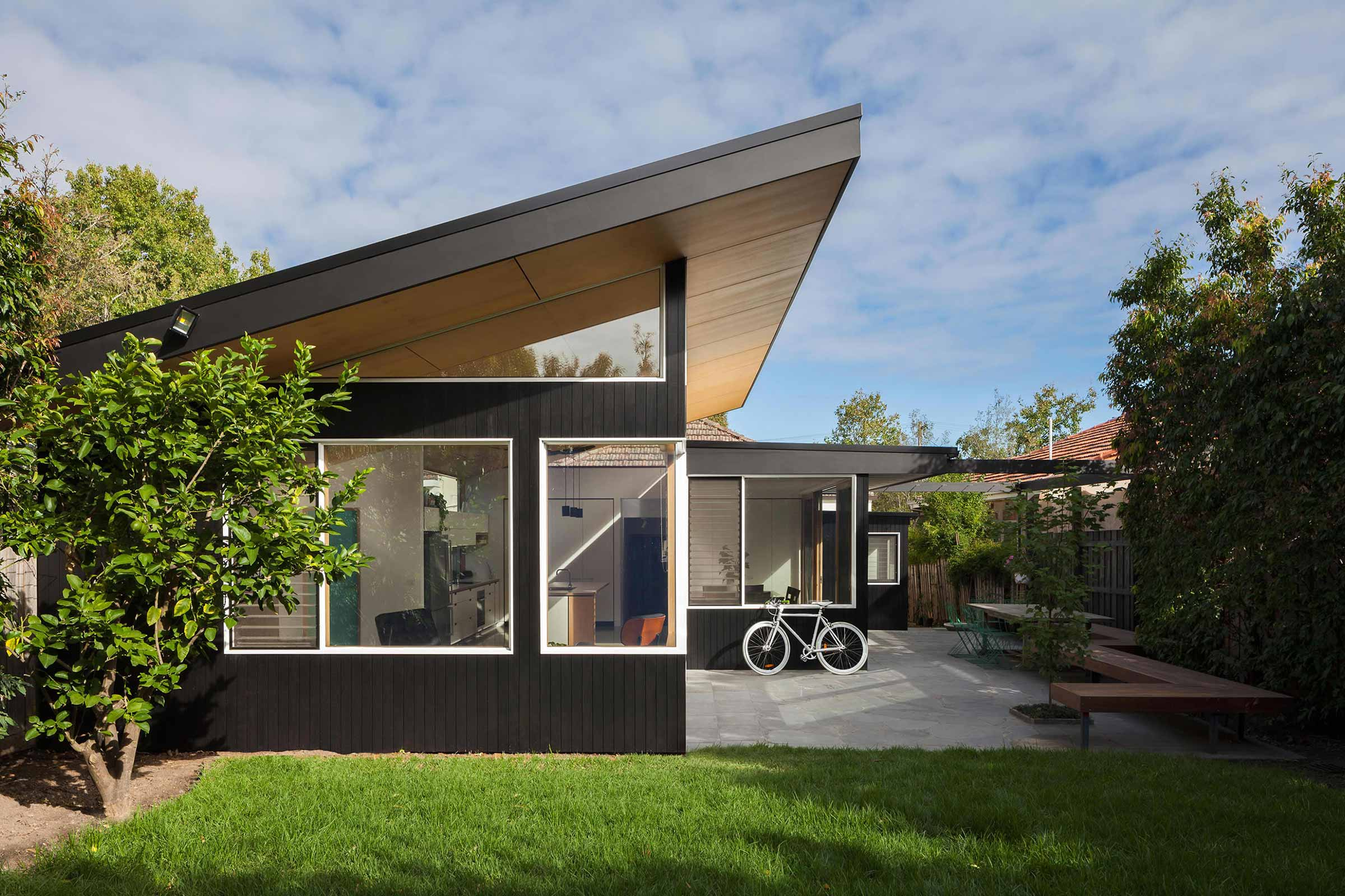 Mont Albert B&W House By Ben Callery Architects