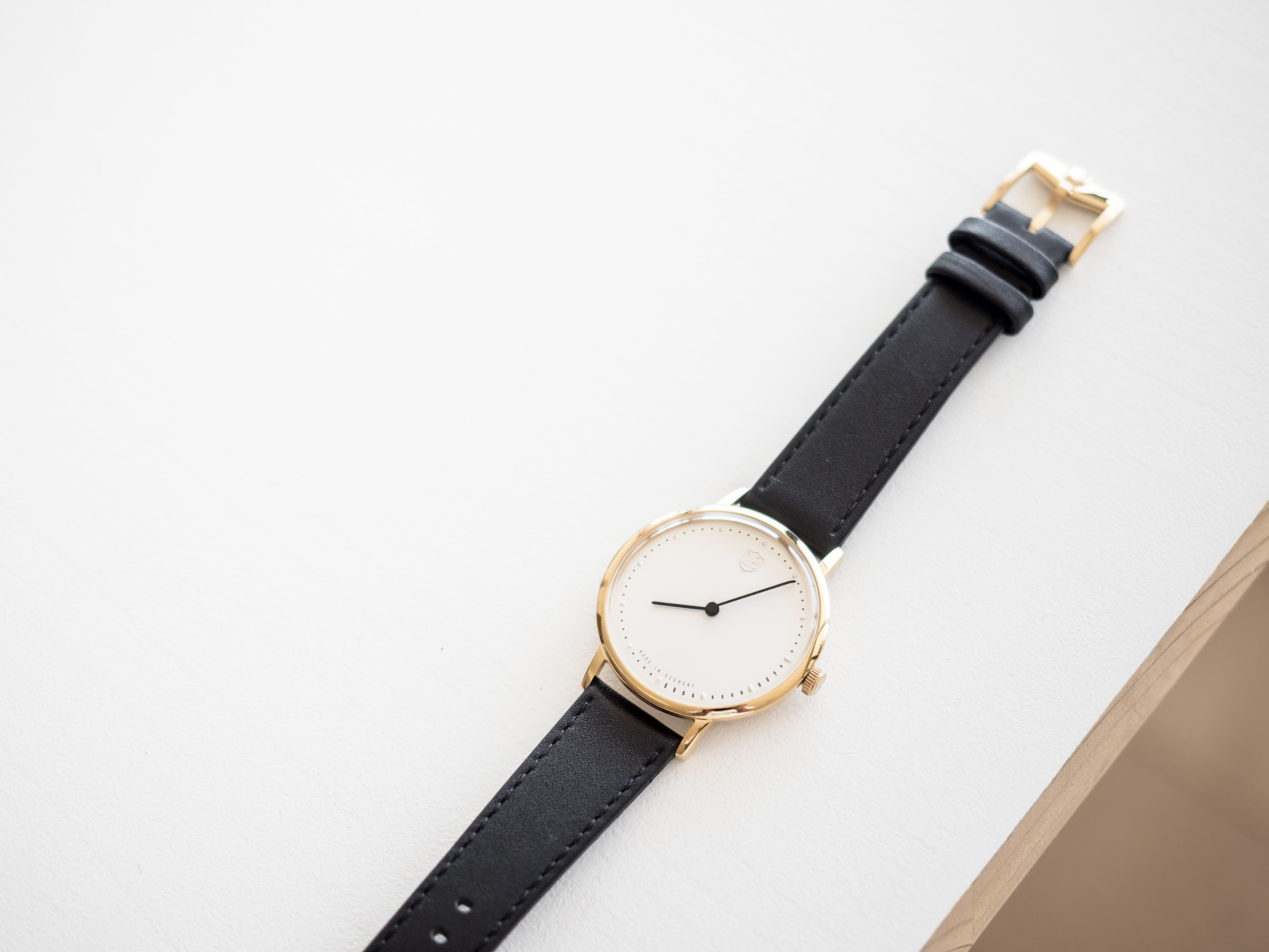 en maman watches bauhaus quartz originals the chez junkers