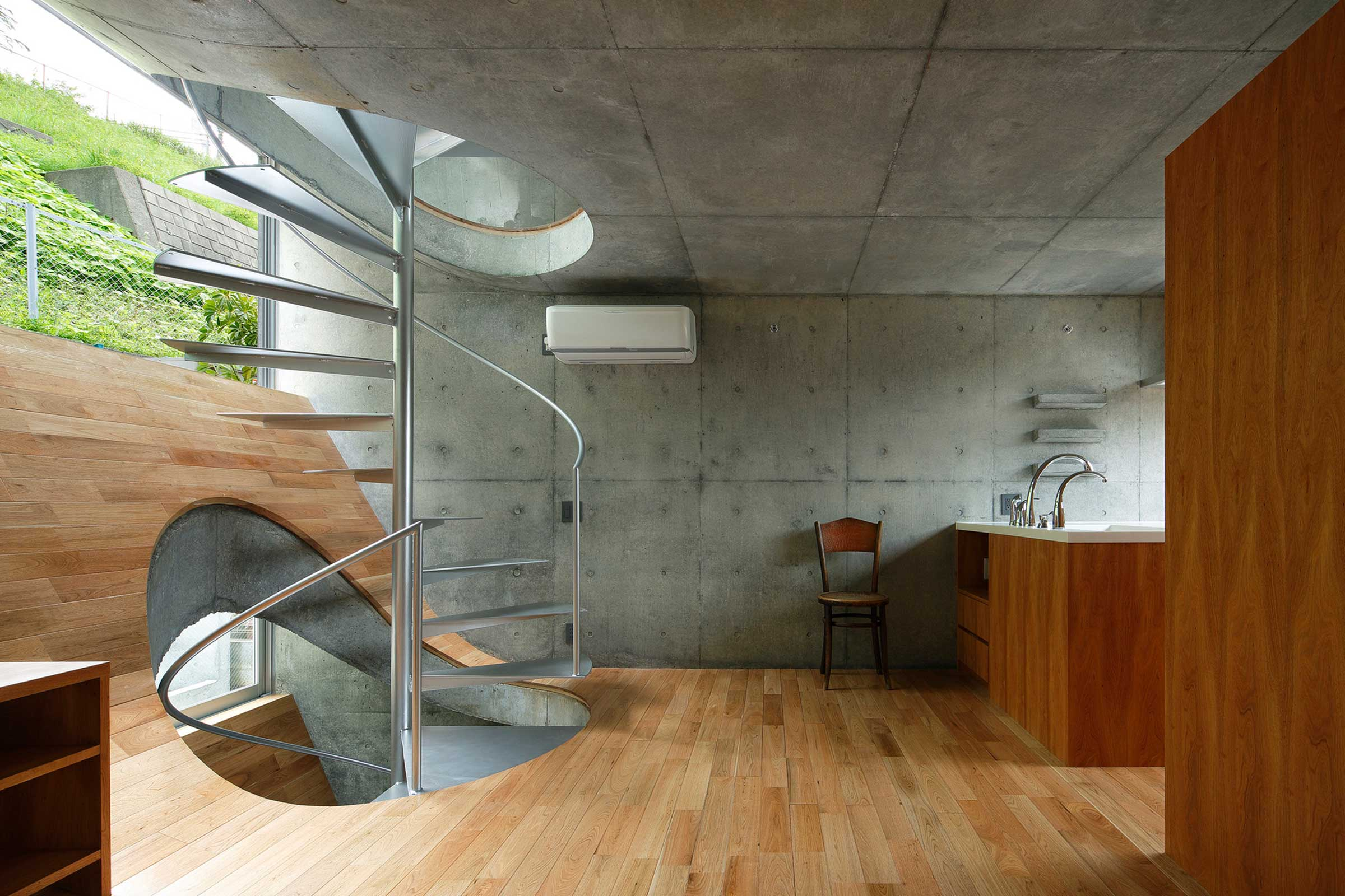 5 Impressive Staircases