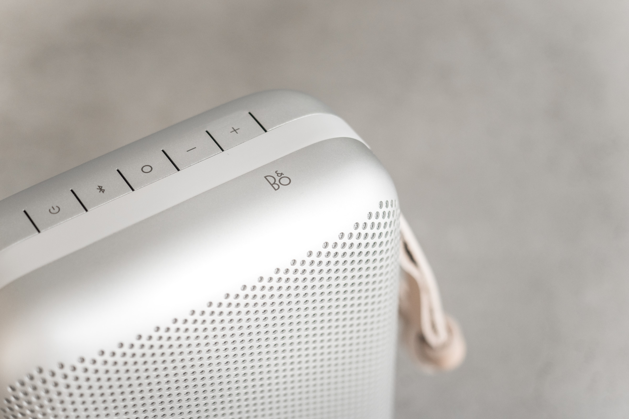 Beoplay P6 Detail