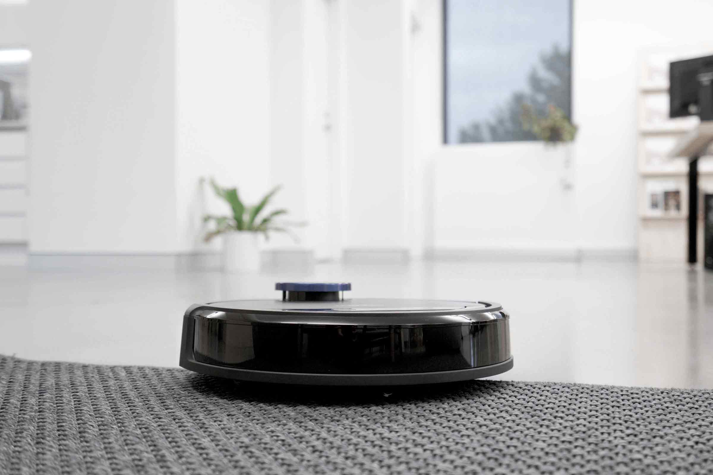 Deebot Ozmo 930 Review | Your Robot Housekeeper