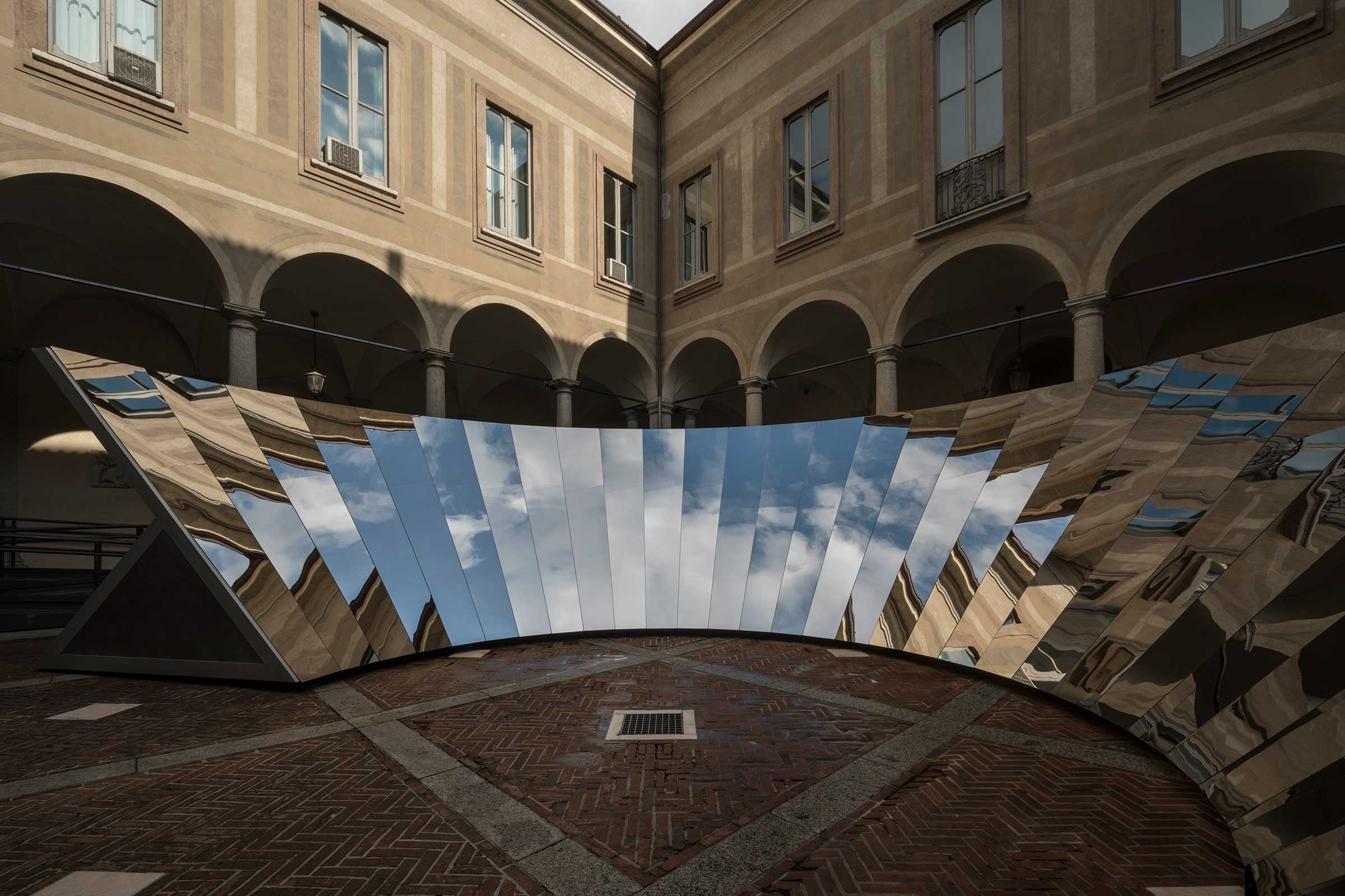 Open sky installation cos x salone del mobile 2018 for Salone del mobile 3018