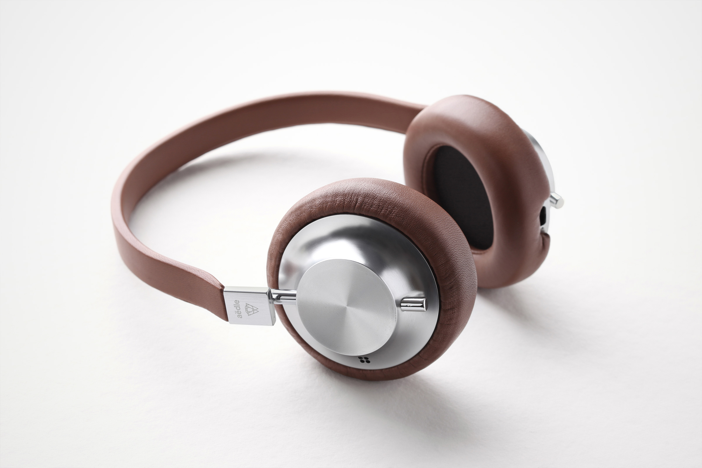 AEDLE VK-X Classic Brown