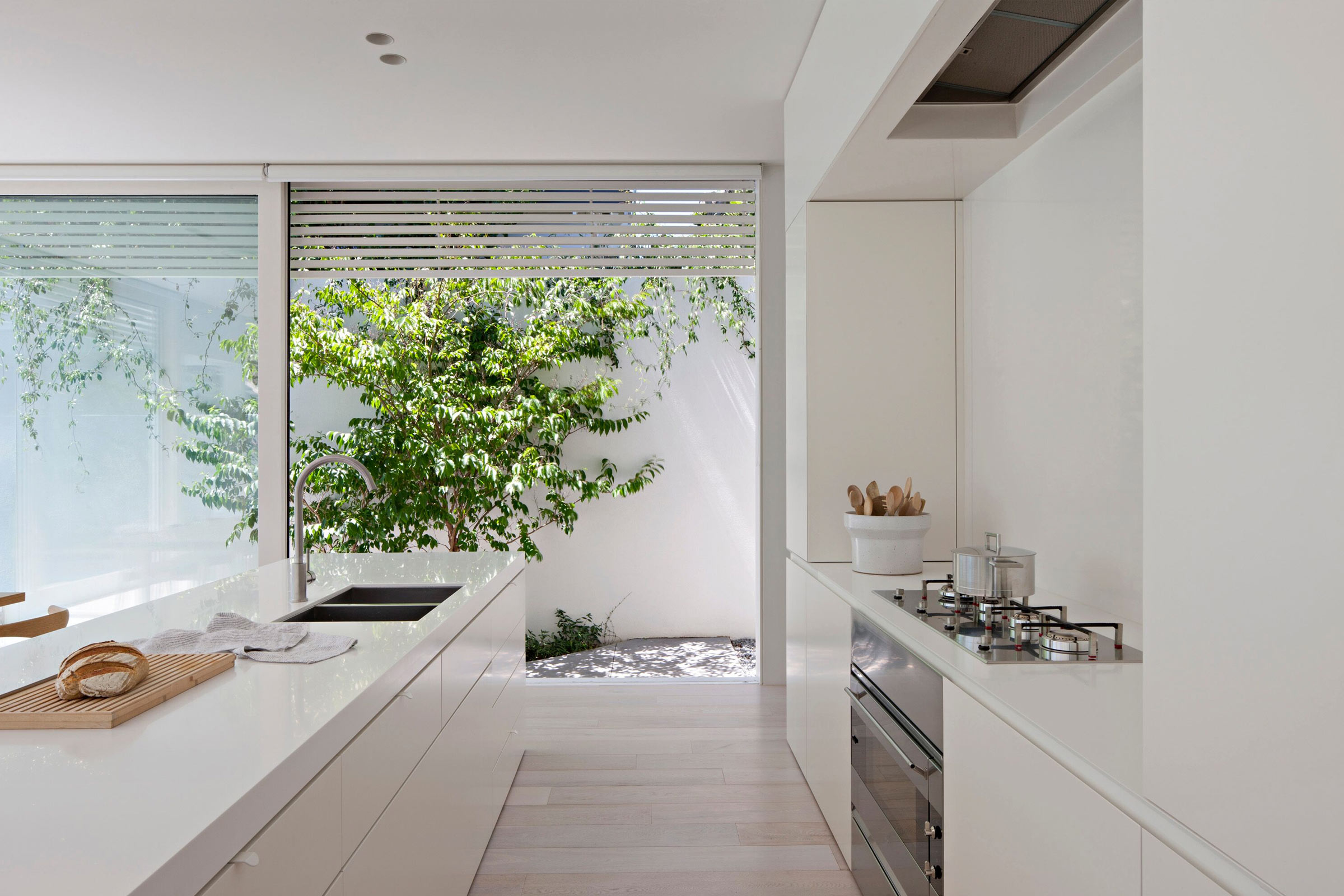 White House In Melbourne - Kitchen