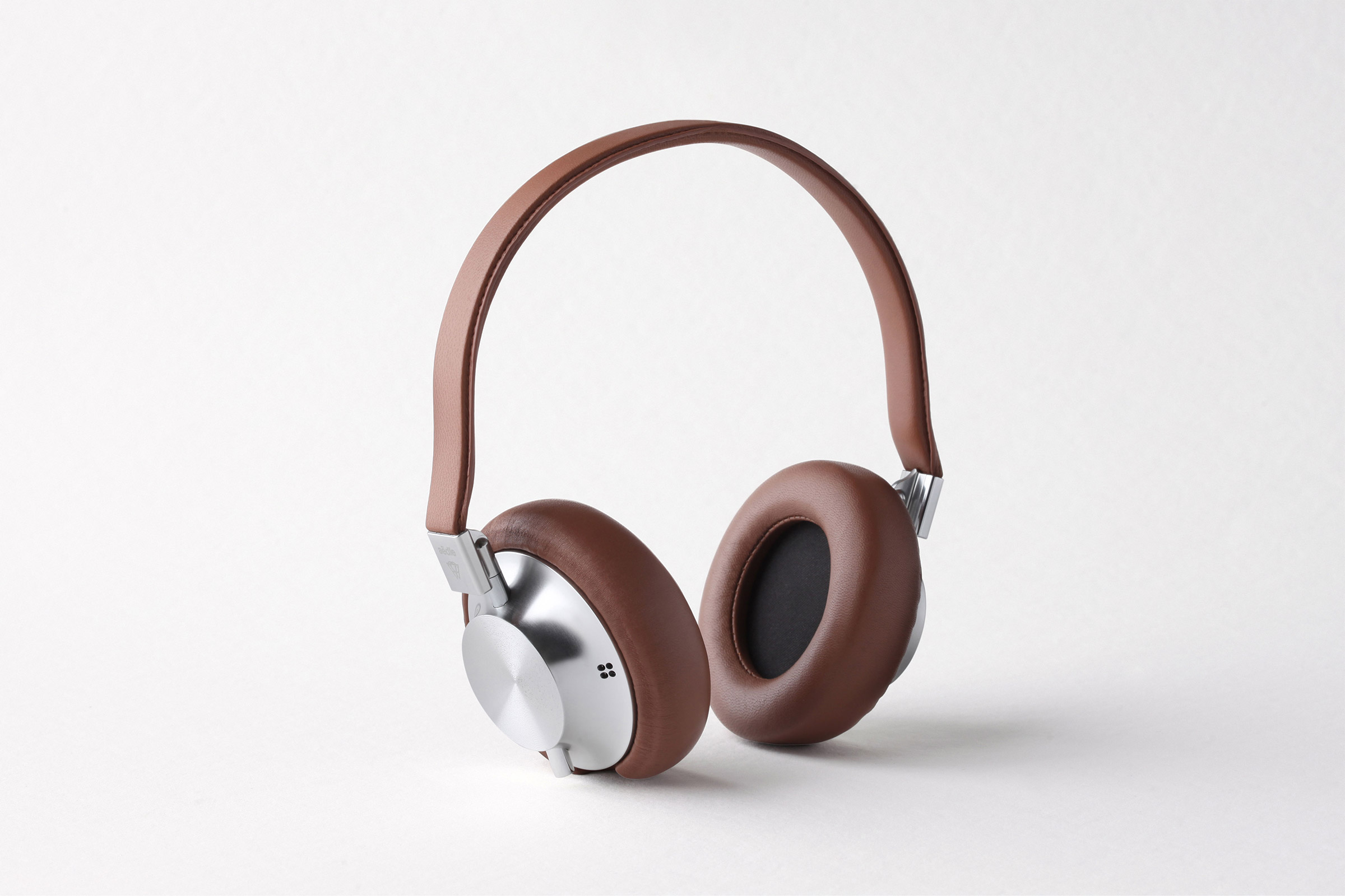 Noise-Cancelling Headphones - Aedle