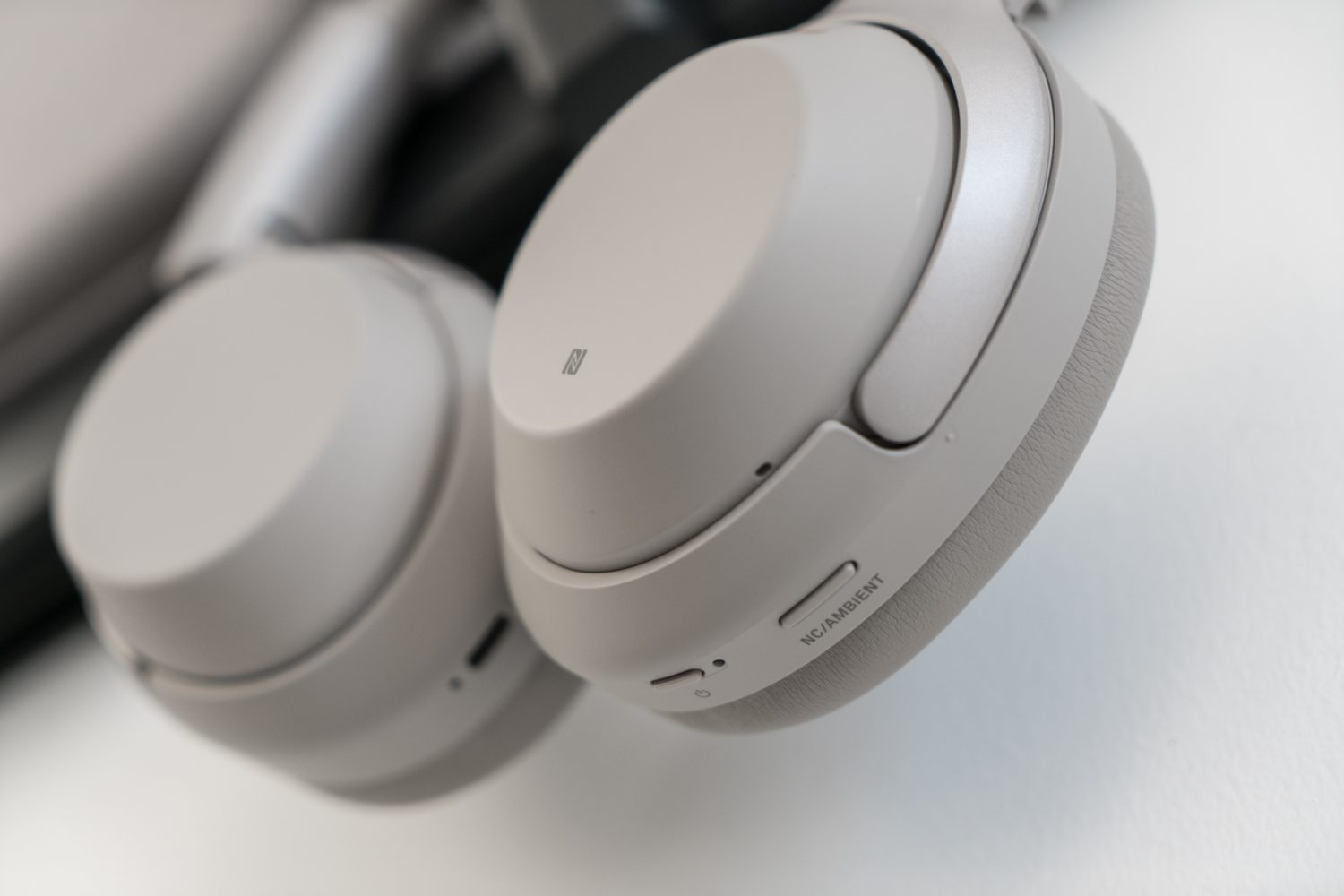 sony wh1000 xm3 noise cancelling headphones hey gents. Black Bedroom Furniture Sets. Home Design Ideas