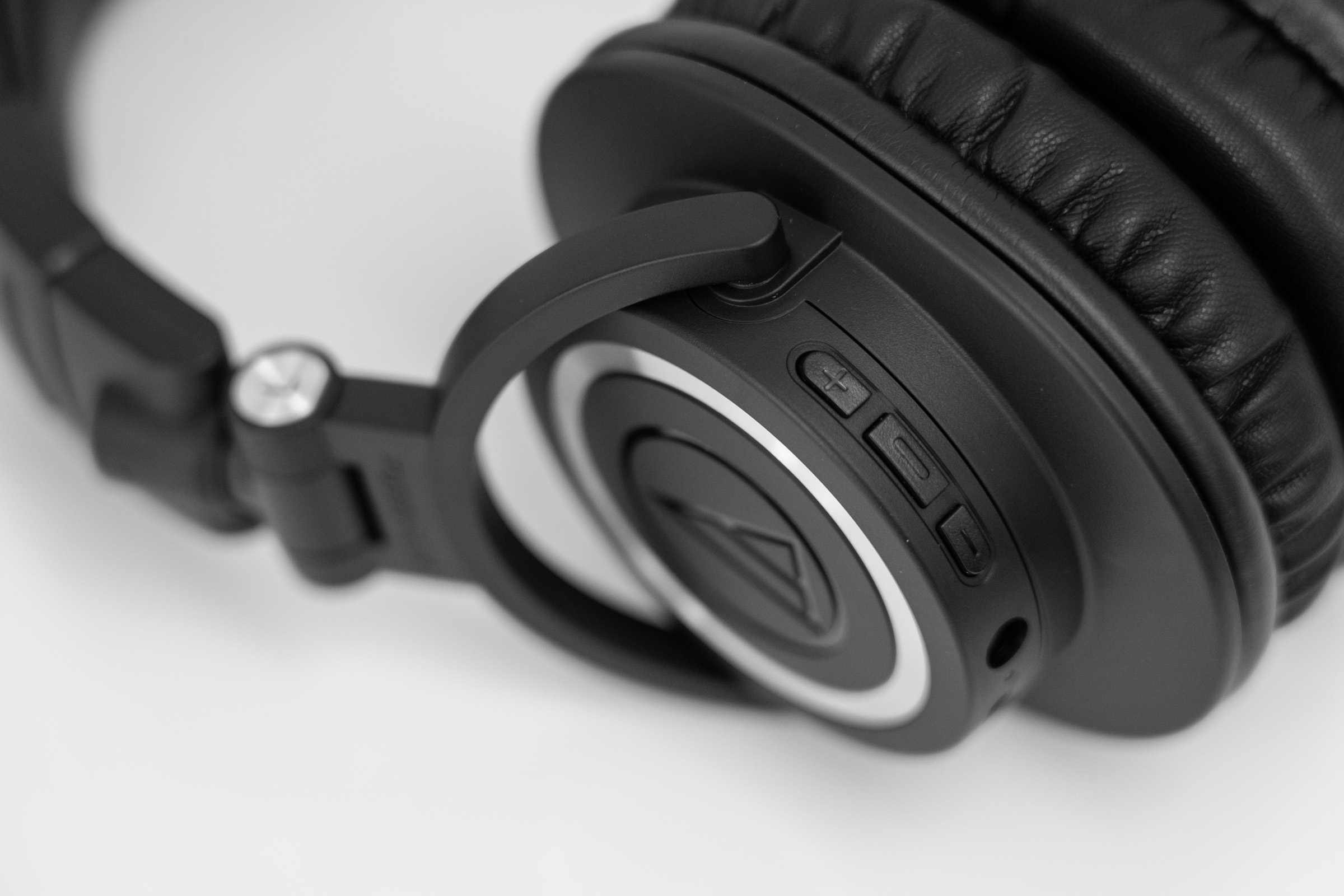Sleek New Wireless Headphones From Audio-Technica 2