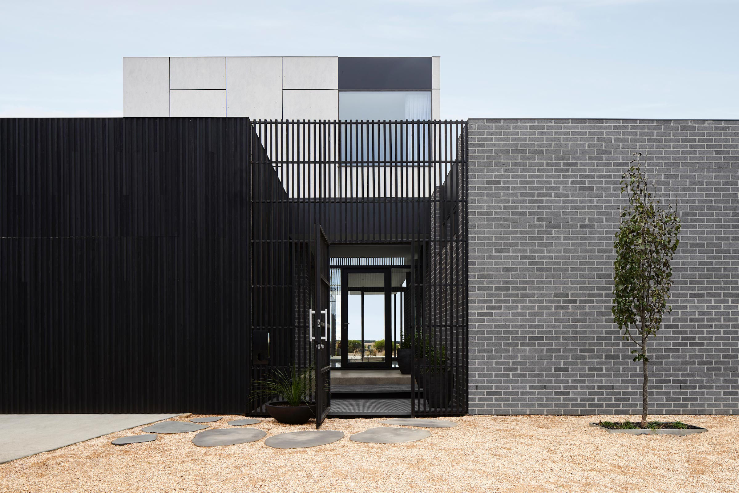 Torquay Beach House is a contemporary take on the traditional coastal home.