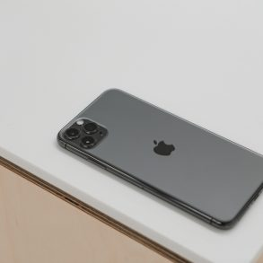 Apple-iPhone-11-Pro-Max-2019-13