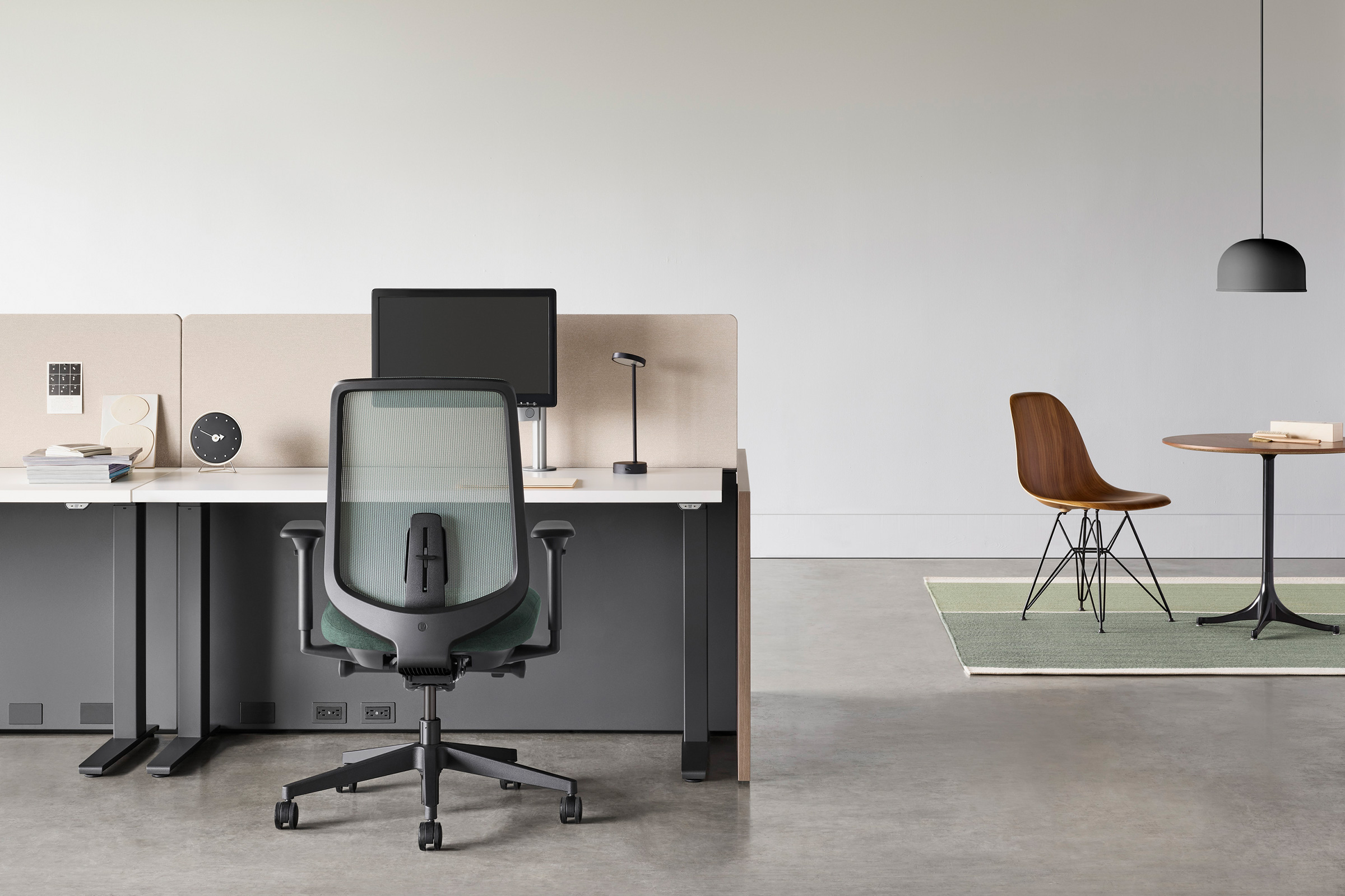 5 Ergonomic Chairs To Improve Your Office Space - HEY GENTS - Herman Miller Task Chair